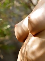 Hard Nipples, Nell - Wild Mountain Honey