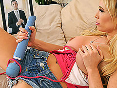 Housewives Vids: Brazzers Videos My Sitter The Snoop