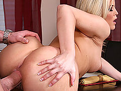 Busty Babes, Brazzers Video Cookin it Up With Alexis Texas