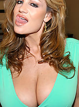 Big.Tits Pics: Kelly madison takes a big cock deep in her mouth.