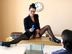Bigtits Officesex, Selena Steele & Trent Soluri as Sexy Teacher