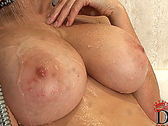 Comics, Domenica shows huge wet naturals in the shower!