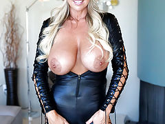 Nipples Vids: Cat Woman Gets Fucked Kitty Style And Swallows Huge Load