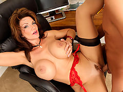 Busty Mature, Deauxma & Kris Slater in Fucking Hot Moms