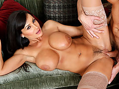 Lisa Ann & Ryan Driller in Fucking Hot Moms
