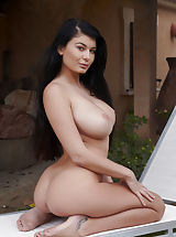 Busty Boobs, Lucy Li from Czech Republic