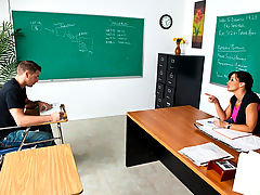 Bouncing Boobs, Lisa Ann & Chris Johnson as Sexy Teacher