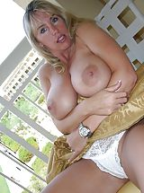 Busty Housewives, Wifeys World Ass Blaser