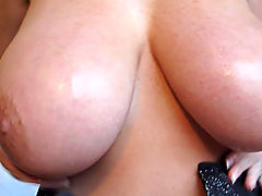 Bigtit Videos, Kelly gives Ryan a handjob and blowjob in their hotel in Seattle