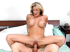Lexi Carrington in Fucking Hot Moms