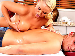 Big Tits Porn, Brazzers Gratis A Dirty Masseuse