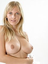 Busty Polish, Magdalene - Mighty Aphrodite